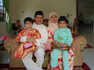 kenangan raya.. bersama kak sila and family. Miss them so much..